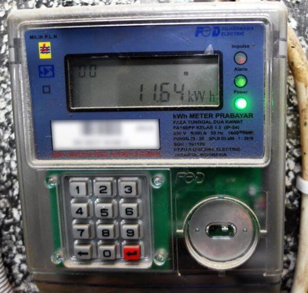 Meteran listrik prabayar merek Fuji