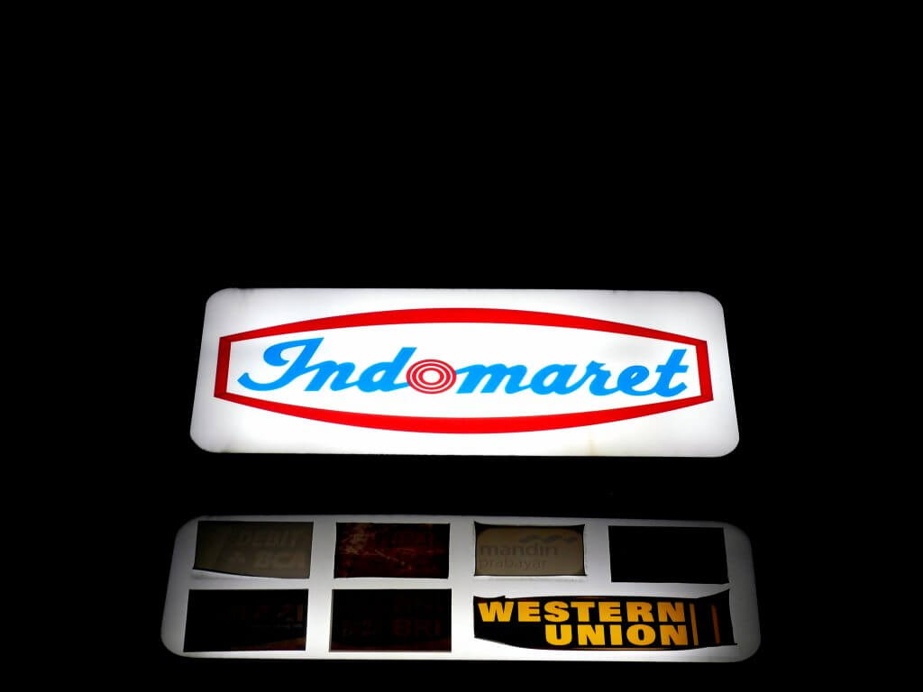 Logo Indomaret (neon box)