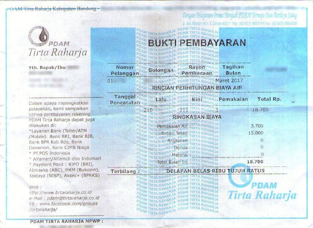 Bukti pembayaran asli tagihan PDAM Tirta Raharja dari kantor PDAM.
